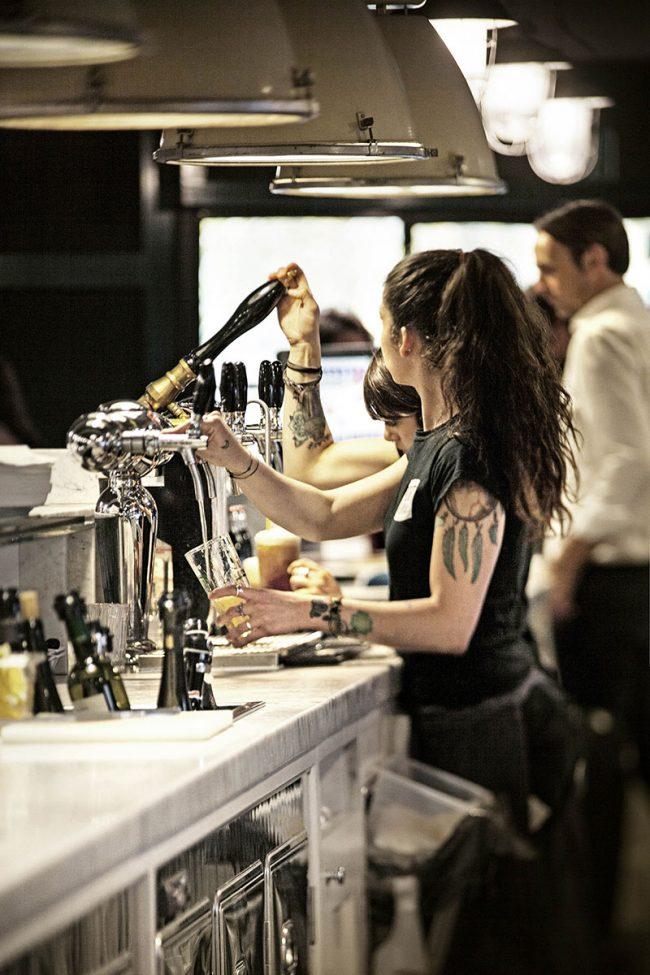 banco del bar di Porto Fluviale