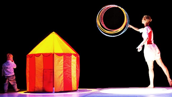 Colorful Games, spettacolo per bambini tra danza e circo