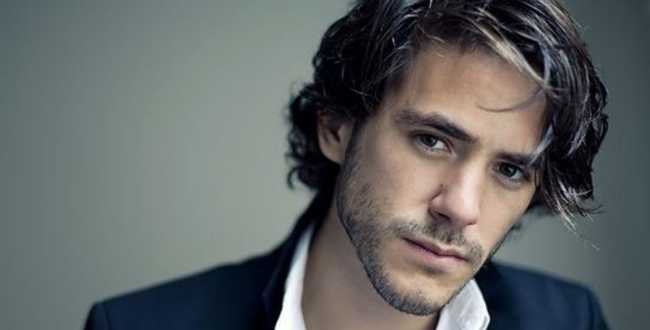 Jack Savoretti – Singing to Strangers